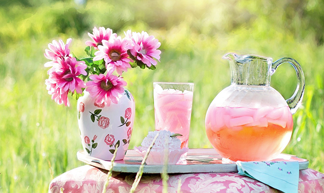 iced tea in a meadow